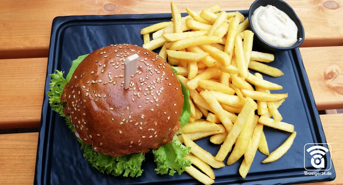 ThirtyFive-Burger-Hilden-Pommes-Crunchy-Chicken