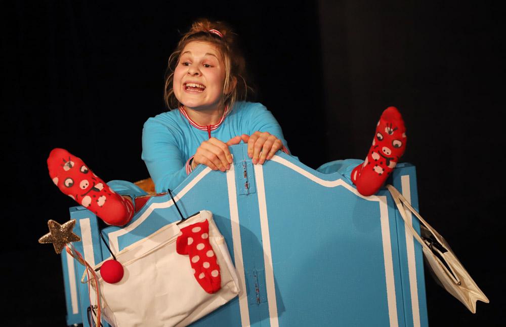 Kindertheater-Hilden-Nachts-Warum-Erwachsene