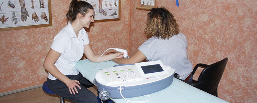Physiotherapie-Praxis revita: Mit Polyter Evo Schmerzen lindern
