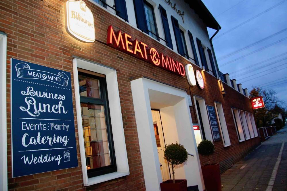 Das Meat & Mind Steakhaus im ehemaligen Margaretenhof in Hilden steht für ein gehobenes Steakhaus