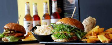 Heißhunger in der Mittagspause? Lass Dir Burger in Deine Firma liefern