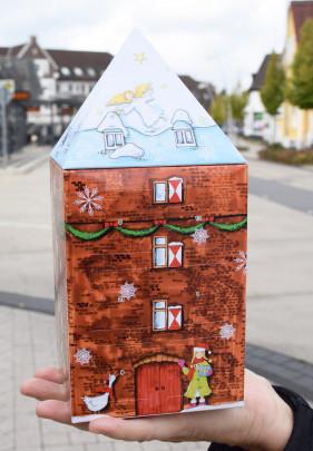 Marke Monheim präsentiert den Schelmenturm als Adventskalender
